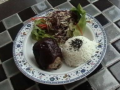 ゆで卵包みハンバーグプレートa.JPG