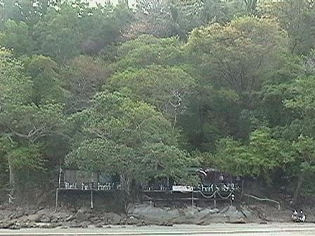 カタビーチレストラン1a.JPG